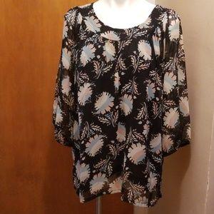 Kaktus Womans floral blouse